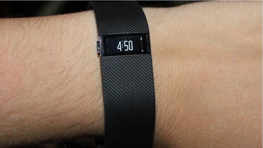 Фитнес трекер Fitbit Charge Обзор