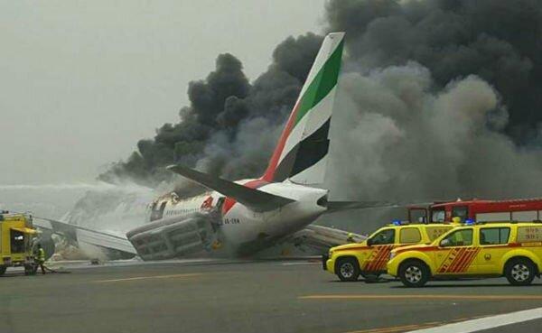 Авиалайнер Emirates - Экстренная Посадка в Дубае Видео